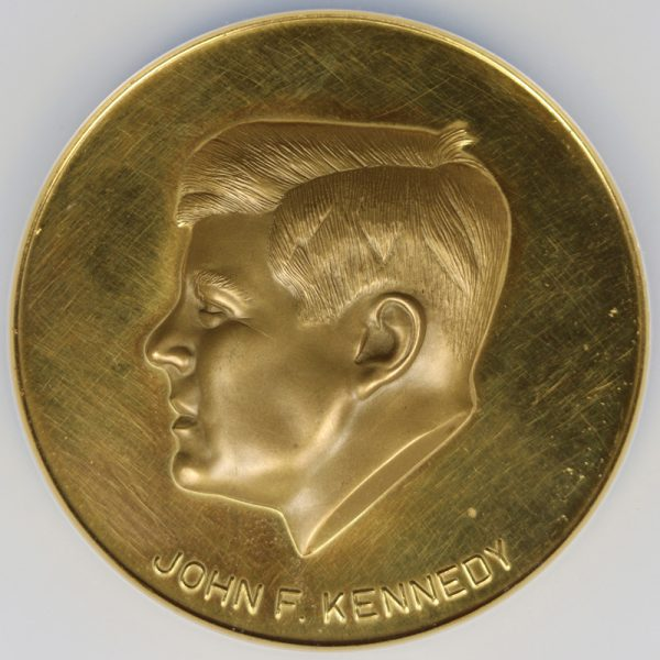 Central Numismatica Mexico Gold John F. Kennedy Medal 50mm (64.22g) NGC MS62